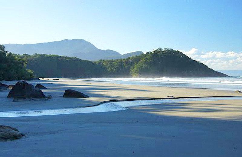 Melhores praias do litoral sul SP - Praia do Arpoador - Peruíbe