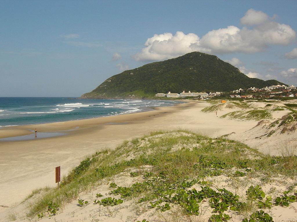 Melhores praias de Floripa - Praia da Santinho